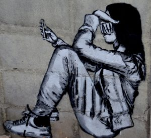 https://pixabay.com/en/student-smartphone-bullying-girl-1397451/
